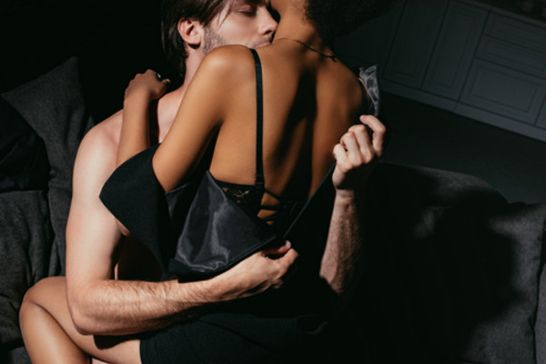 Racconto pegging erotico